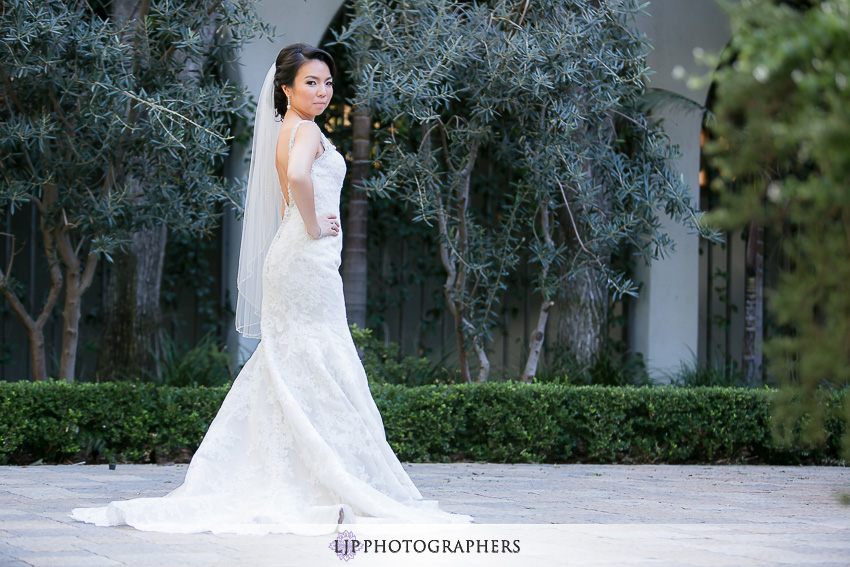 14-vibiana-los-angeles-wedding-photographer-first-look-couple-session-photos