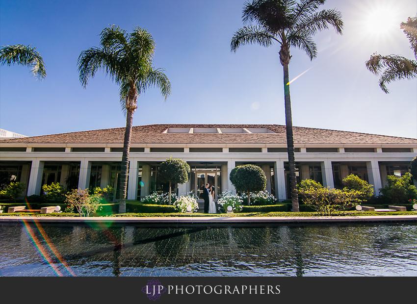 15-richard-nixon-library-yorba-linda-wedding-photographer-first-look-couple-session-photos