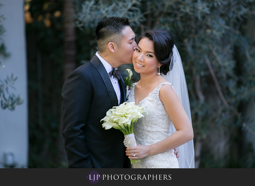 15-vibiana-los-angeles-wedding-photographer-first-look-couple-session-photos