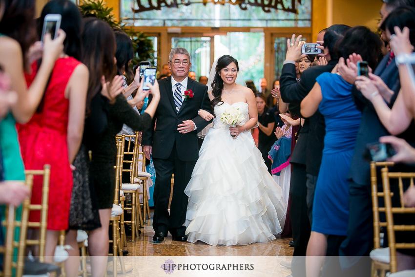 16-taglyan-complex-los-angeles-wedding-photographer-wedding-ceremony-photos