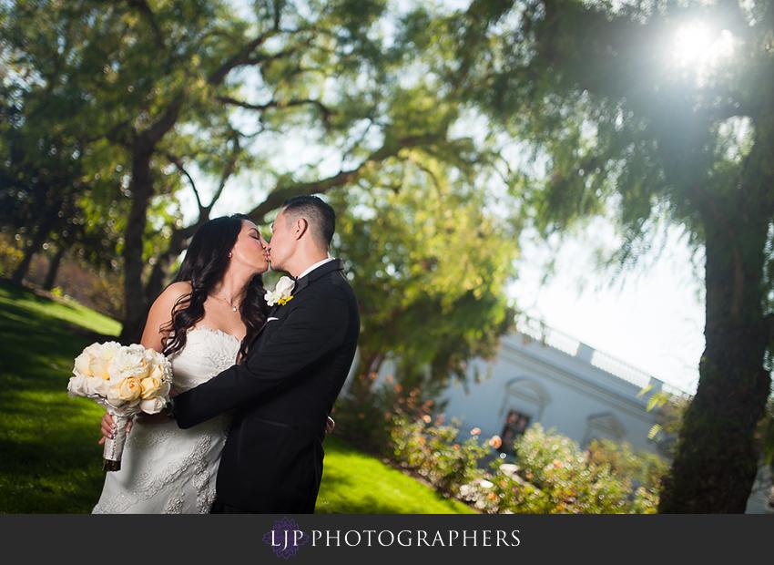 17-richard-nixon-library-yorba-linda-wedding-photographer-first-look-couple-session-photos