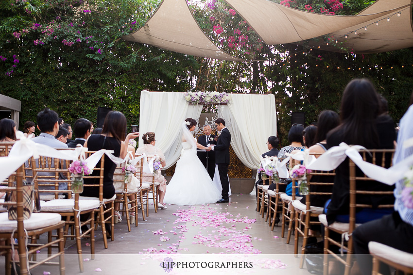 19-doubletree-by-hilton-hotel-monrovia-pasadena-wedding-photographer-wedding-ceremony-photos
