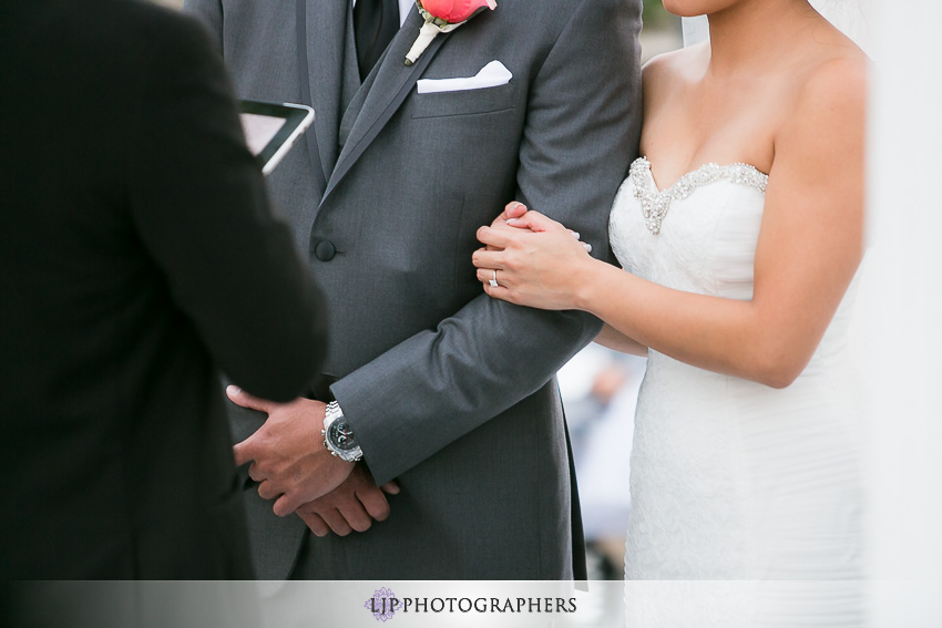 20-avenue-of-the-arts-wyndham-costa-mesa-hotel-wedding-photographer-wedding-ceremony-photos