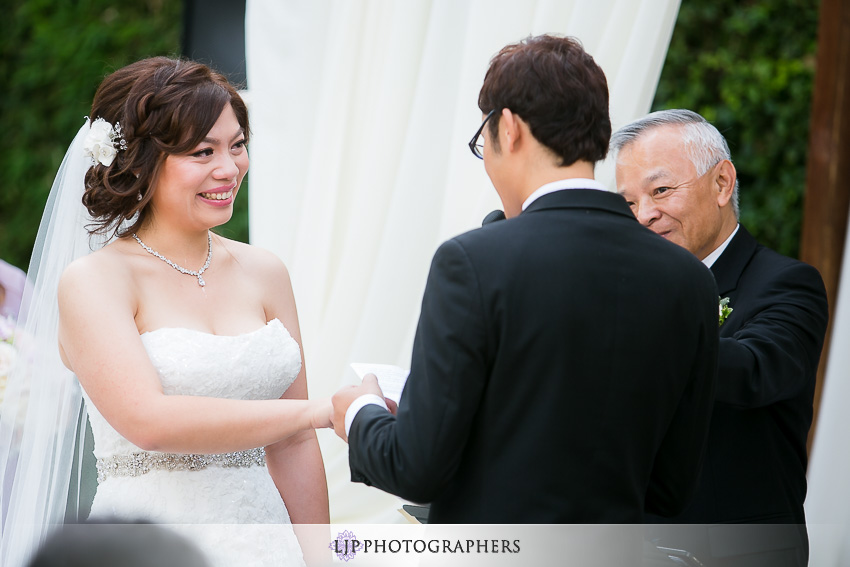 20-doubletree-by-hilton-hotel-monrovia-pasadena-wedding-photographer-wedding-ceremony-photos