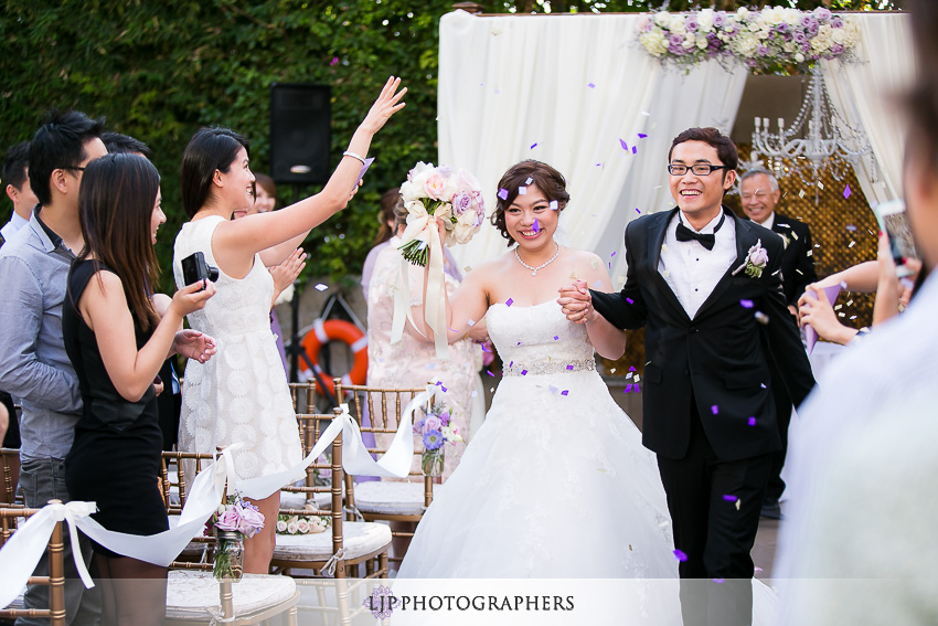 22-doubletree-by-hilton-hotel-monrovia-pasadena-wedding-photographer-wedding-ceremony-photos
