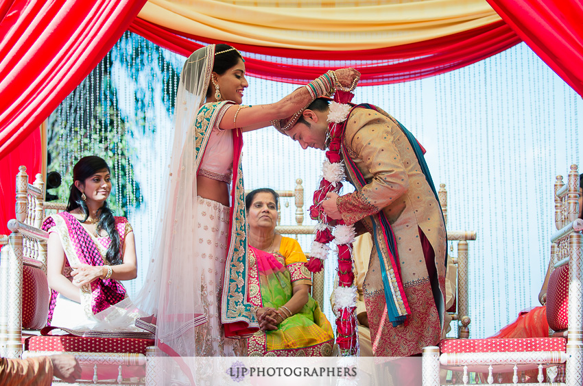 26-pacific-palms-resort-city-of-industry-indian-wedding-photographer