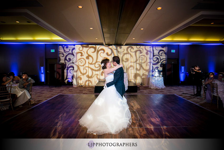 27-doubletree-by-hilton-hotel-monrovia-pasadena-wedding-photographer-wedding-reception-photos
