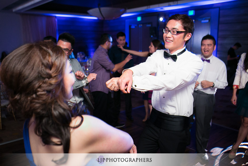 32-doubletree-by-hilton-hotel-monrovia-pasadena-wedding-photographer-wedding-reception-photos