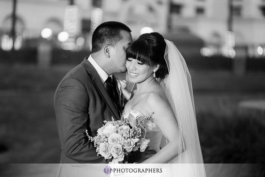37-avenue-of-the-arts-wyndham-costa-mesa-hotel-wedding-photographer-wedding-reception-photos