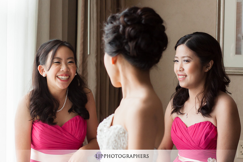 03-hilton-los-angeles-universal-city-wedding-photographer-getting-ready-photos