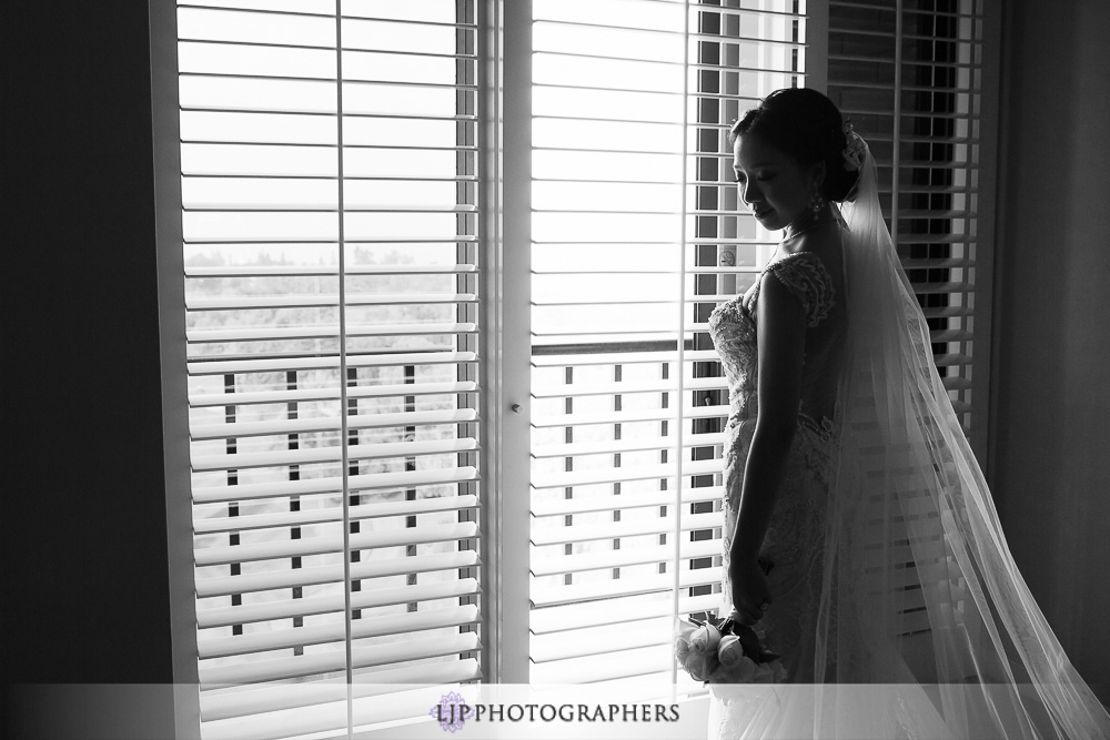 05-pacific-palms-resort-wedding-photographer-getting-ready-photos