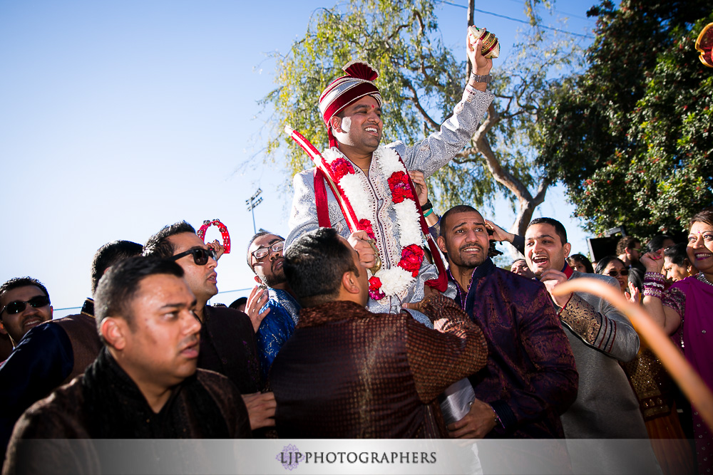 08-quixote-studios-west-hollywood-indian-wedding-photographer-wedding-baraat-photos