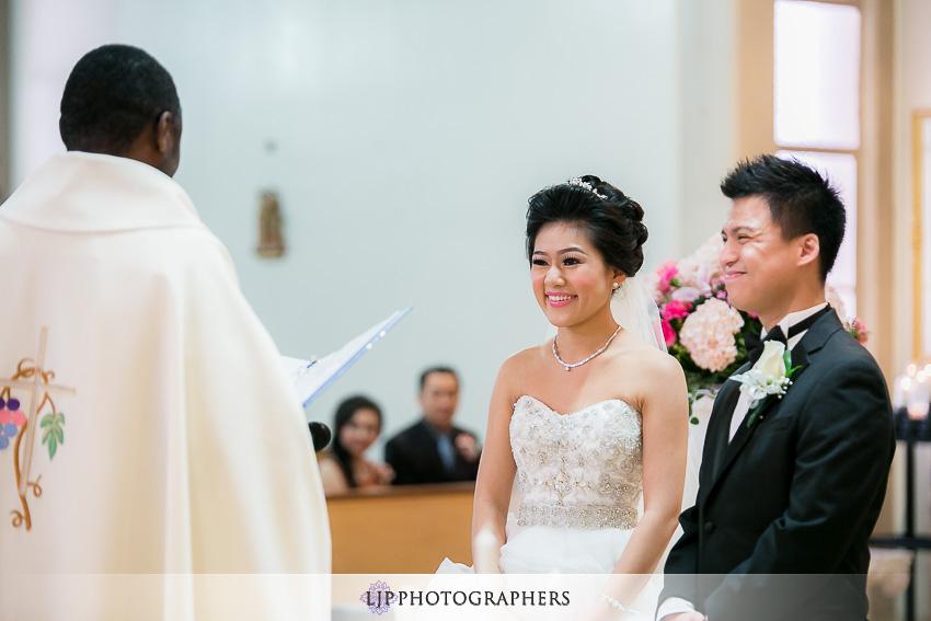 09-hilton-los-angeles-universal-city-wedding-photographer-wedding-ceremony-photos