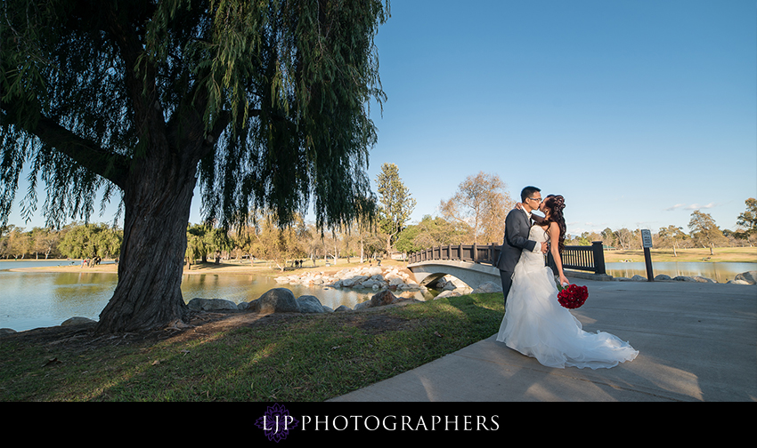 10-irvine-marriott-wedding-photographer-couple-session-wedding-party-photos