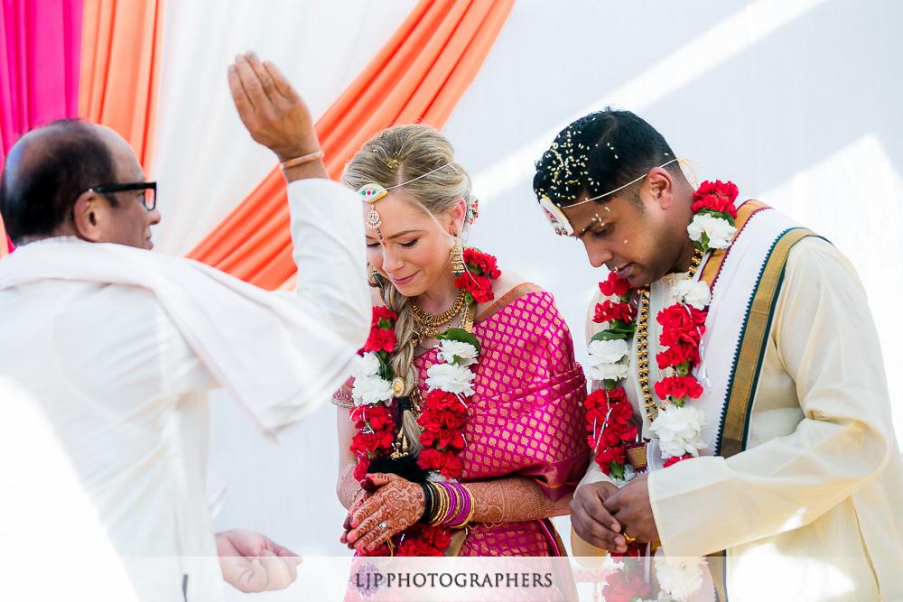 10-omni-rancho-las-palmas-rancho-mirage-indian-wedding-photographer-wedding-ceremony-photos