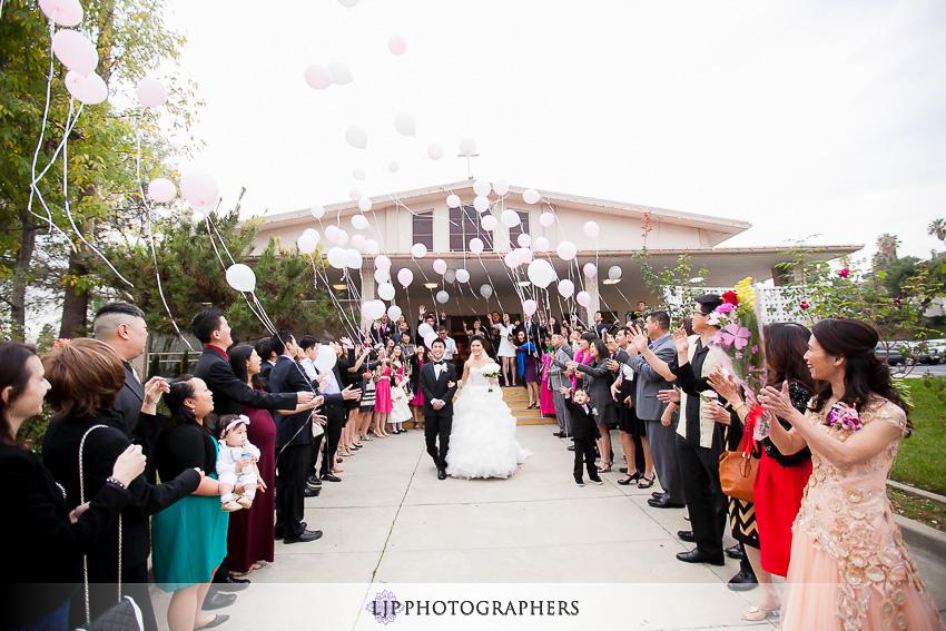 11-hilton-los-angeles-universal-city-wedding-photographer-wedding-ceremony-photos