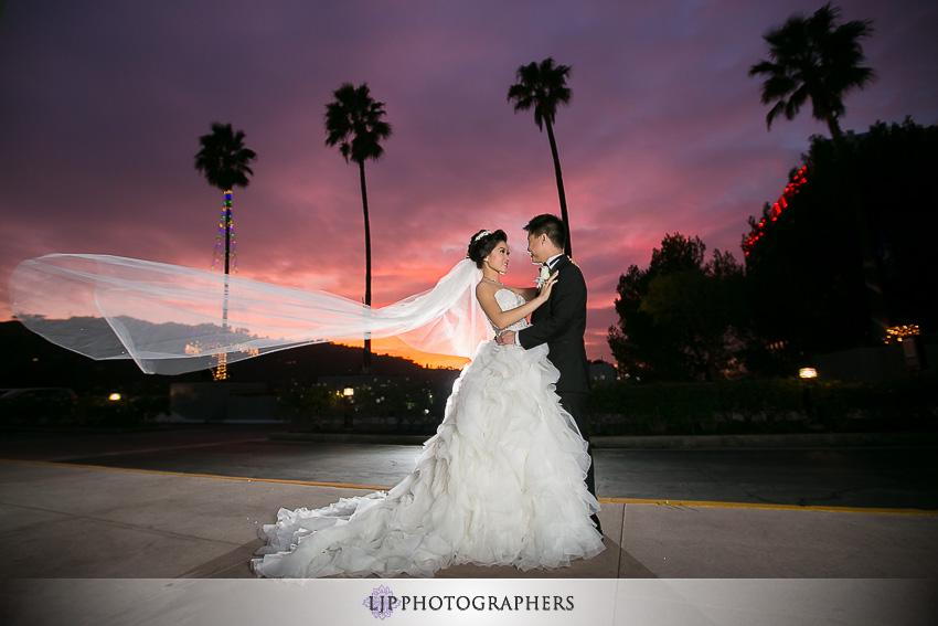 13-hilton-los-angeles-universal-city-wedding-photographer-couple-session-photos