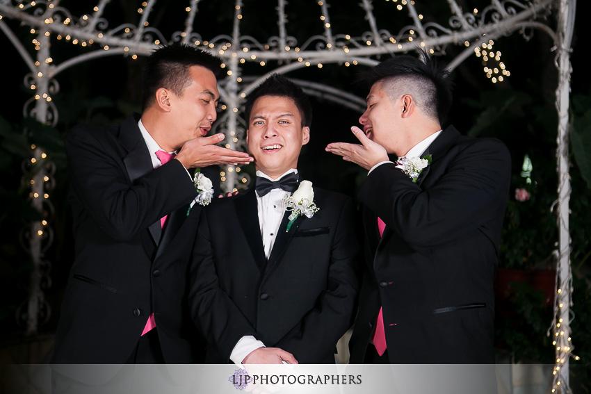 14-hilton-los-angeles-universal-city-wedding-photographer-couple-session-photos