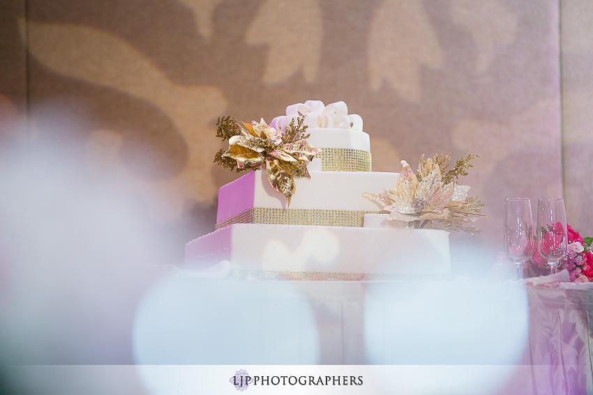 15-hilton-los-angeles-universal-city-wedding-photographer-wedding-reception-photos