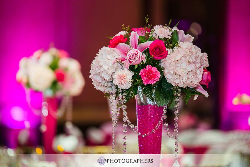 17-hilton-los-angeles-universal-city-wedding-photographer-wedding-reception-photos
