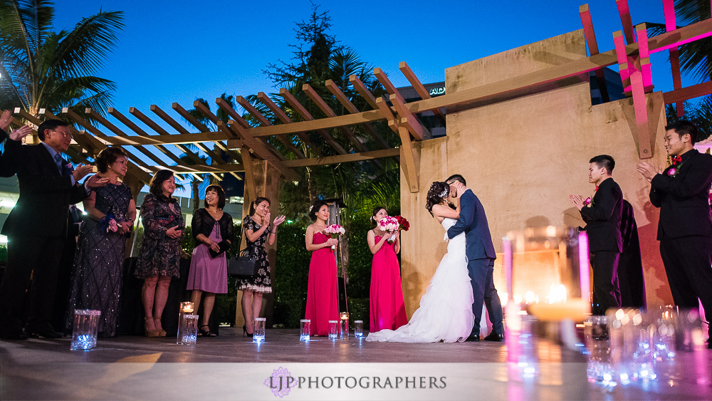 21-irvine-marriott-wedding-photographer-wedding-ceremony-photos