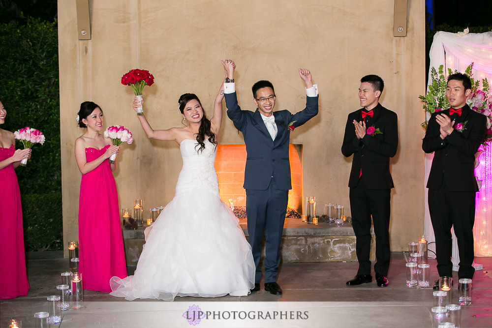 22-irvine-marriott-wedding-photographer-wedding-ceremony-photos