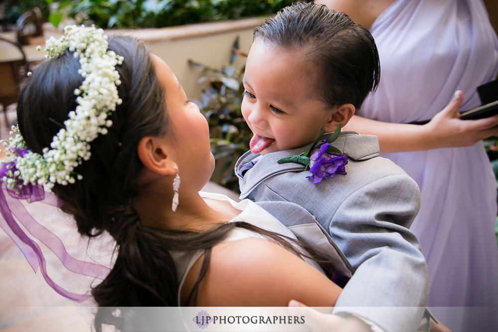 09-embassy-suites-brea-wedding-photographer-first-look-wedding-party-photos