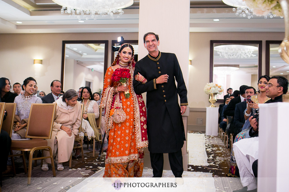 10-anaheim-hilton-indian-wedding-photographer