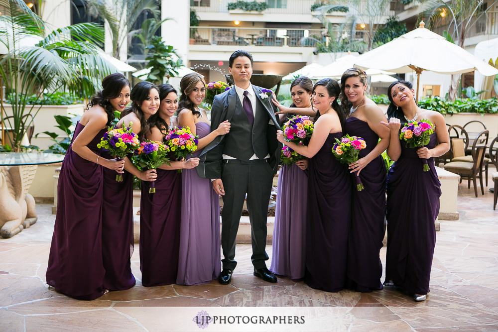 10-embassy-suites-brea-wedding-photographer-first-look-wedding-party-photos