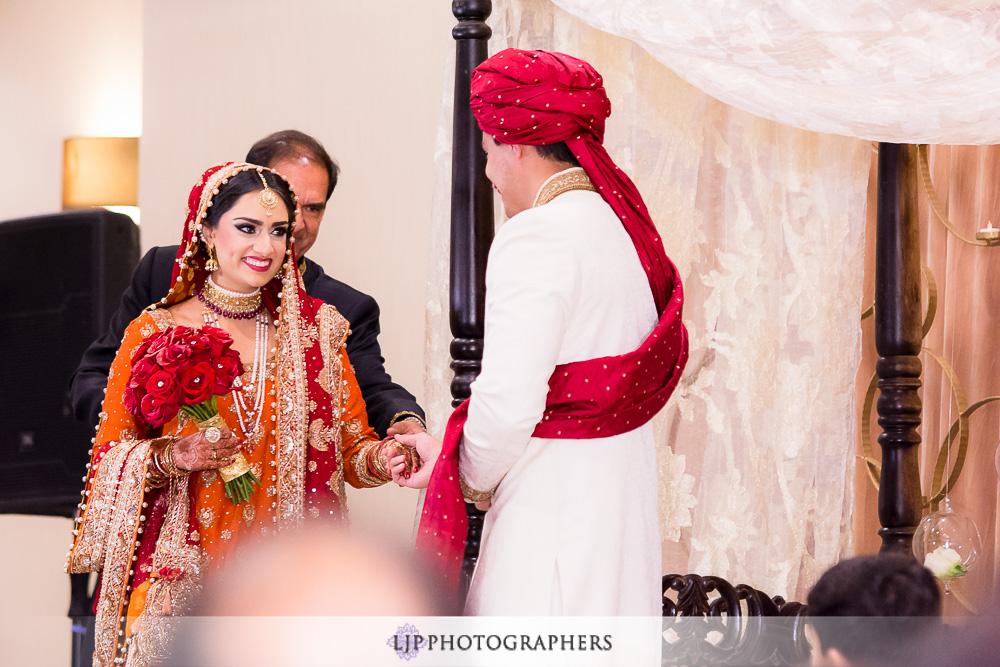 11-anaheim-hilton-indian-wedding-photographer