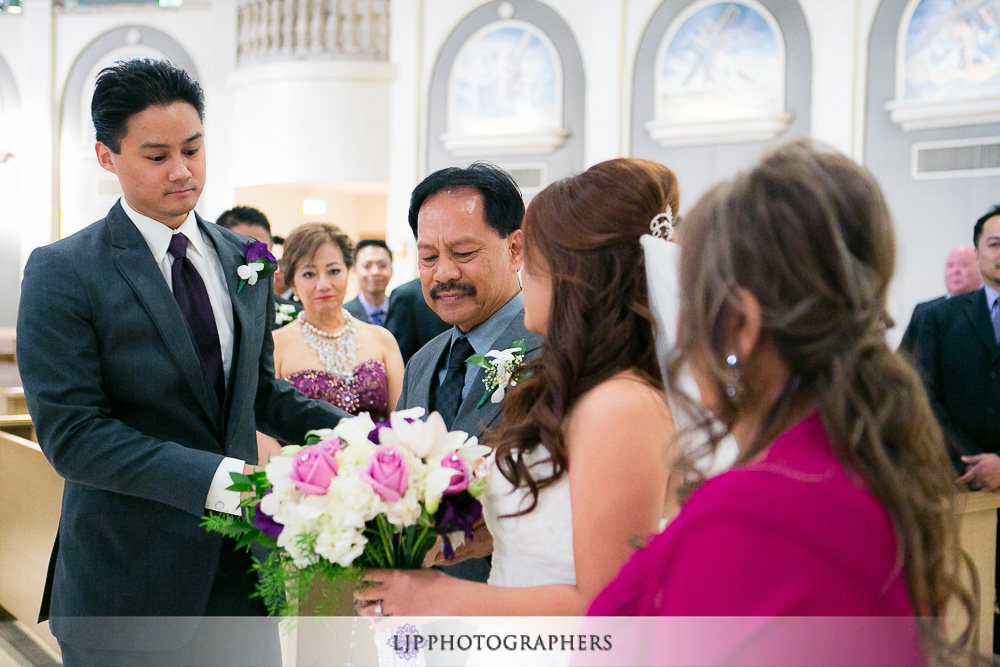15-embassy-suites-brea-wedding-photographer-wedding-ceremony-photos