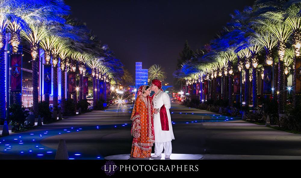 21-anaheim-hilton-indian-wedding-photographer