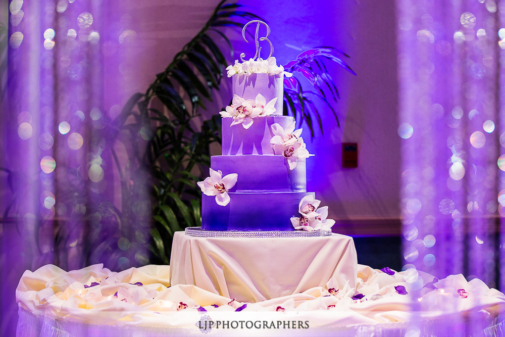 21-embassy-suites-brea-wedding-photographer-wedding-reception-photos