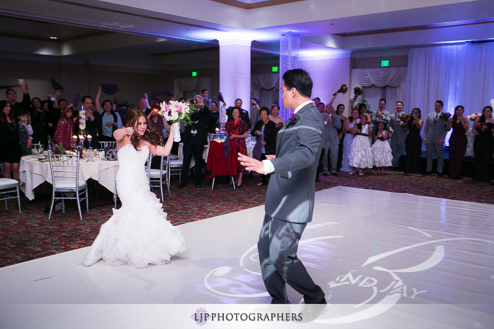 24-embassy-suites-brea-wedding-photographer-wedding-reception-photos