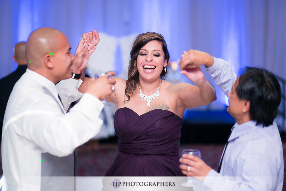 28-embassy-suites-brea-wedding-photographer-wedding-reception-photos