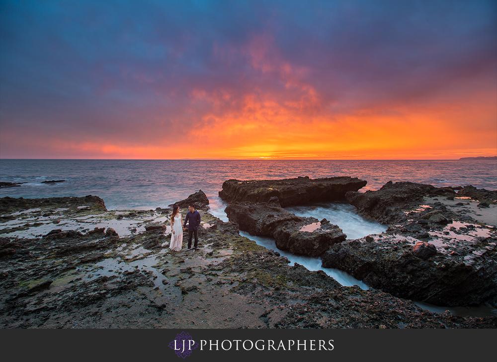 07-beach-engagement-photographer