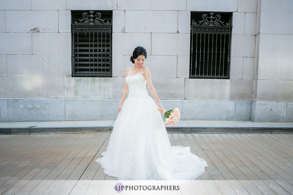 06-millennium-biltmore-hotel-los-angeles-wedding-photographer-getting-ready-photos