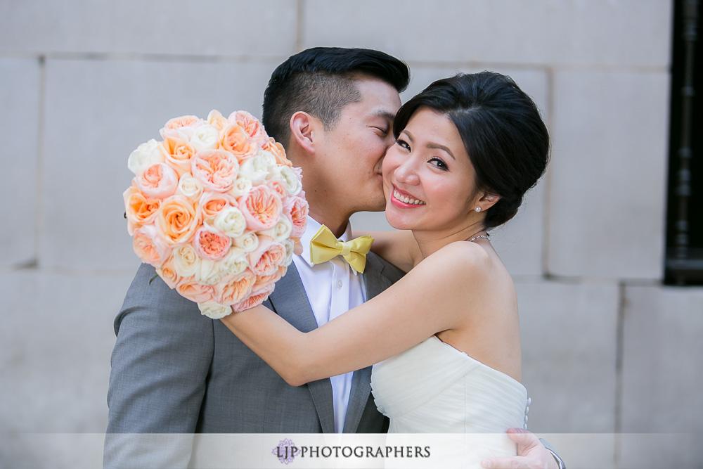 09-millennium-biltmore-hotel-los-angeles-wedding-photographer-couple-session-wedding-party-photos