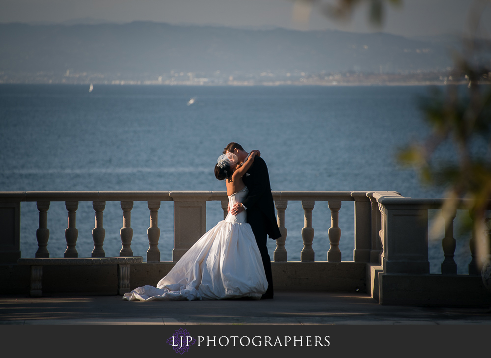 12-neighborhood-church-palos-verdes-wedding-photographer-first-look-wedding-party