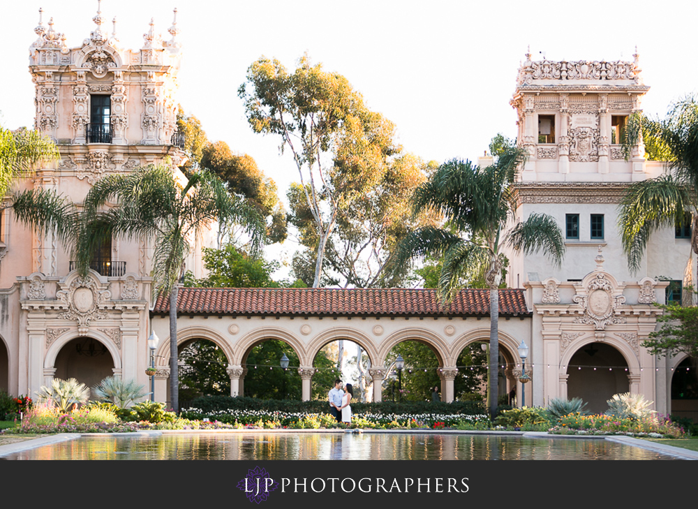 14-beautiful-balboa-park-engagement-photogrpaher