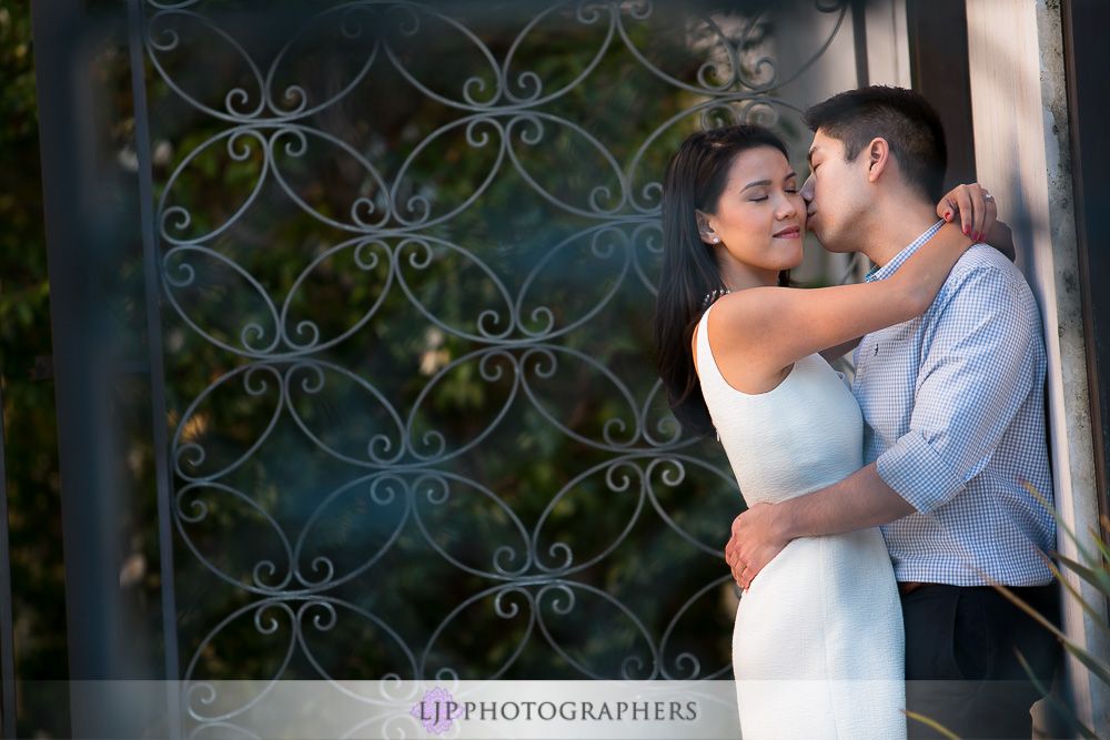 15-beautiful-balboa-park-engagement-photogrpaher