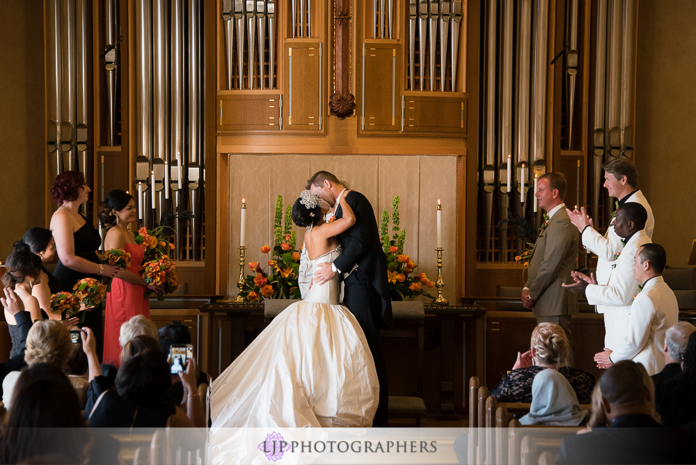17-neighborhood-church-palos-verdes-wedding-photographer-first-look-wedding-ceremony