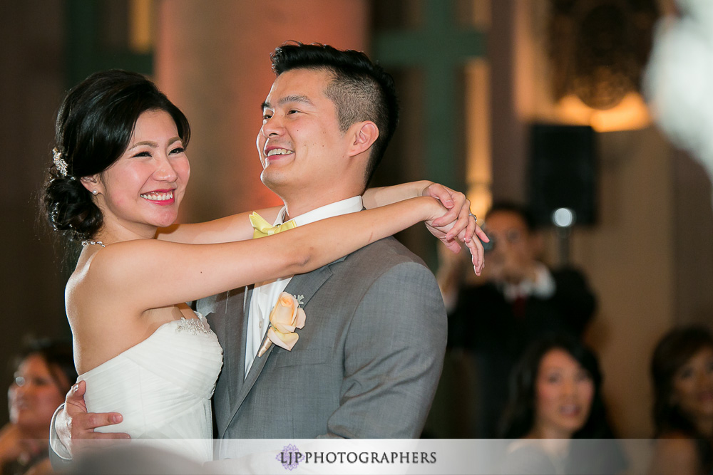 23-millennium-biltmore-hotel-los-angeles-wedding-photographer-wedding-reception-photos