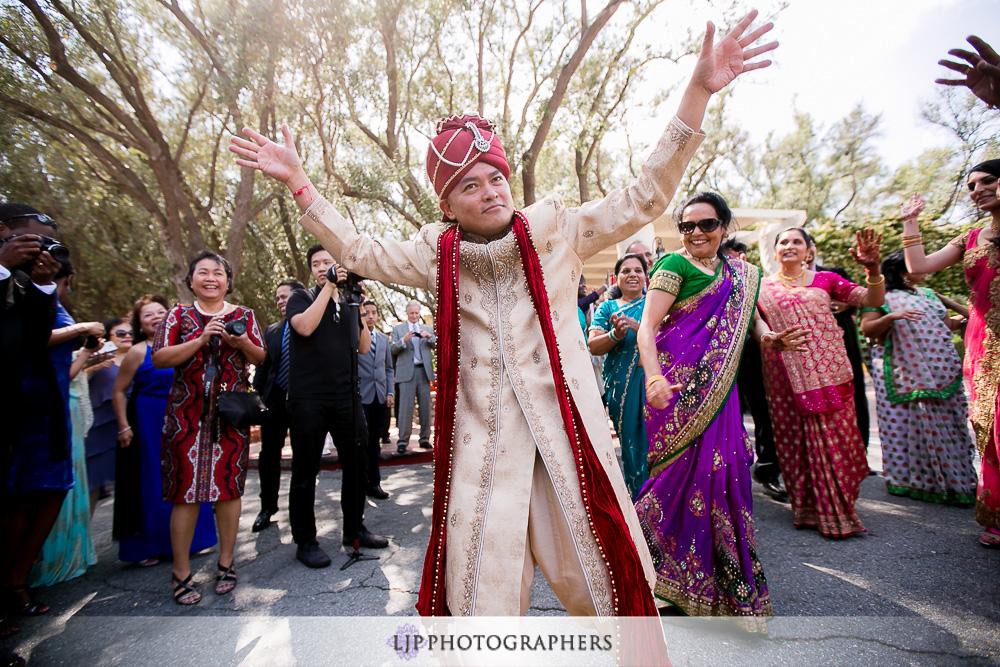 15-padua-hills-indian-wedding-photographer-baraat-wedding-ceremony-photos