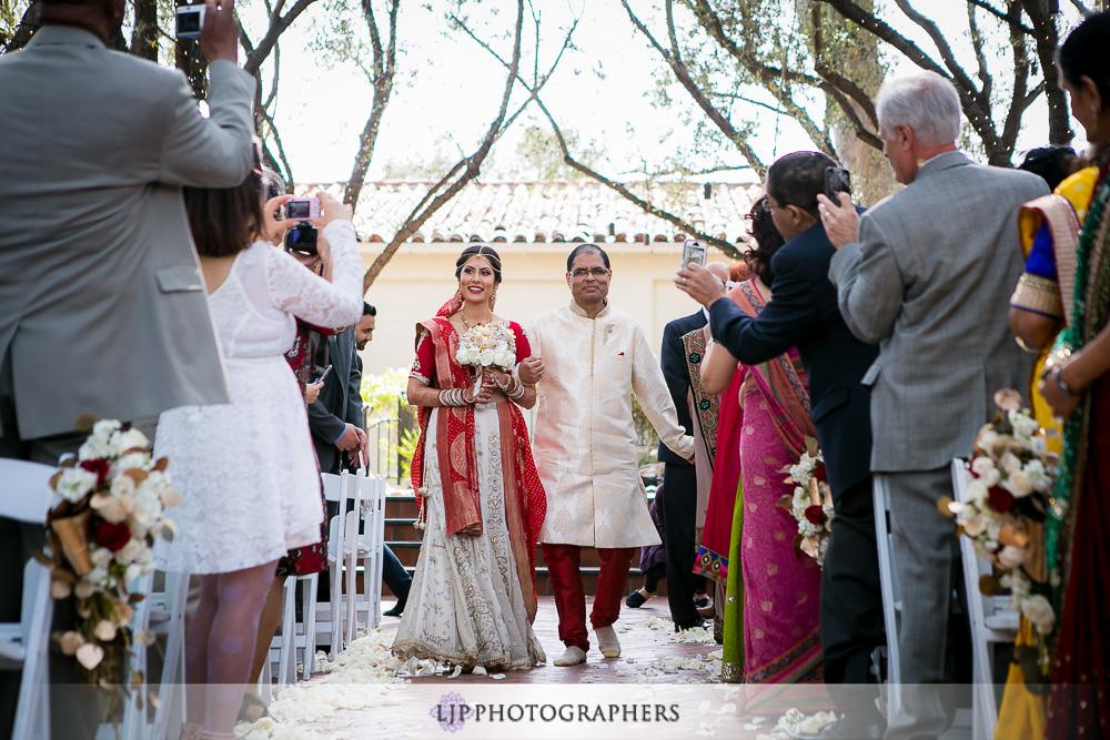 16-padua-hills-indian-wedding-photographer-baraat-wedding-ceremony-photos