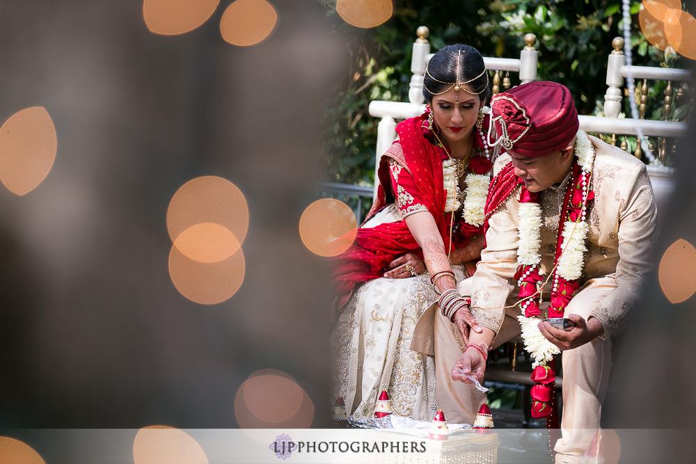 17-padua-hills-indian-wedding-photographer-baraat-wedding-ceremony-photos