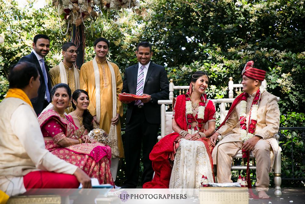18-padua-hills-indian-wedding-photographer-baraat-wedding-ceremony-photos