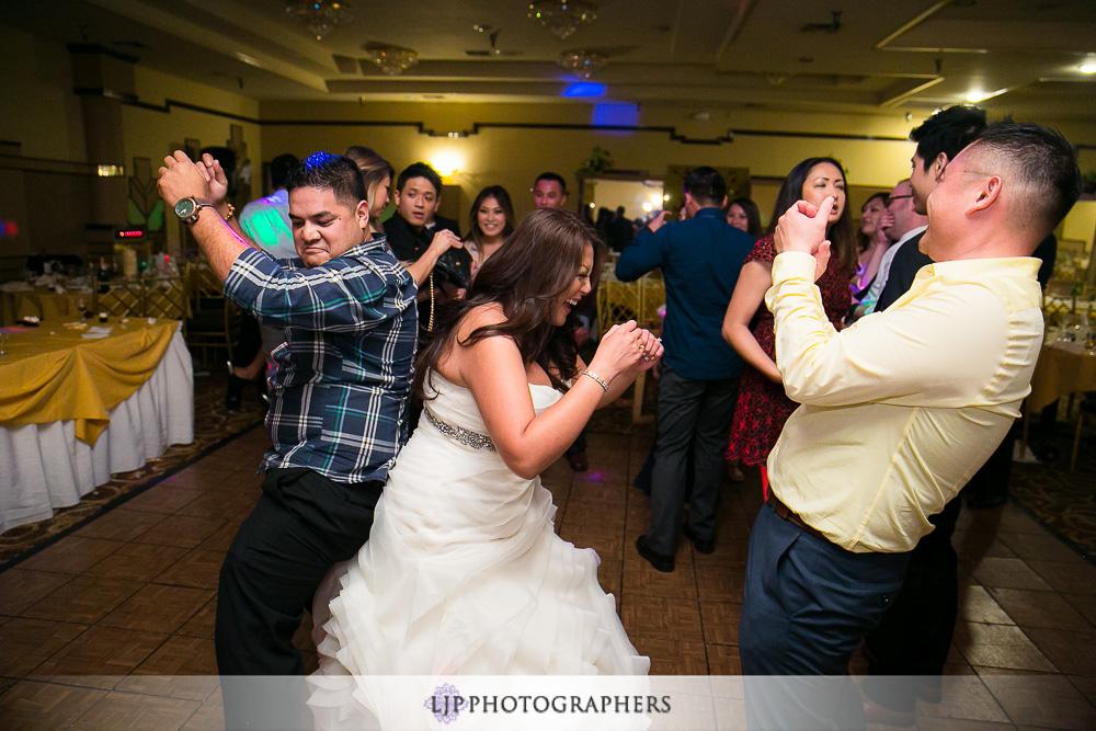 28-summit-house-wedding-photographer-wedding-reception-photos