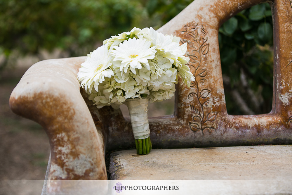 01-south-hills-country-club-wedding-photographer-getting-ready-photos