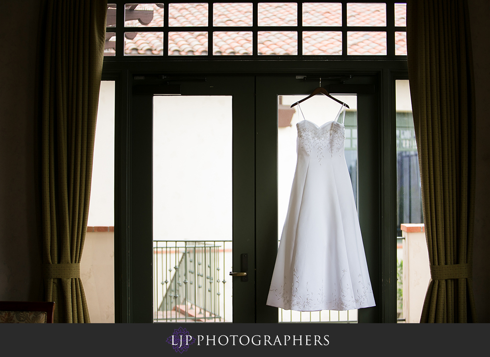 02-south-hills-country-club-wedding-photographer-getting-ready-photos